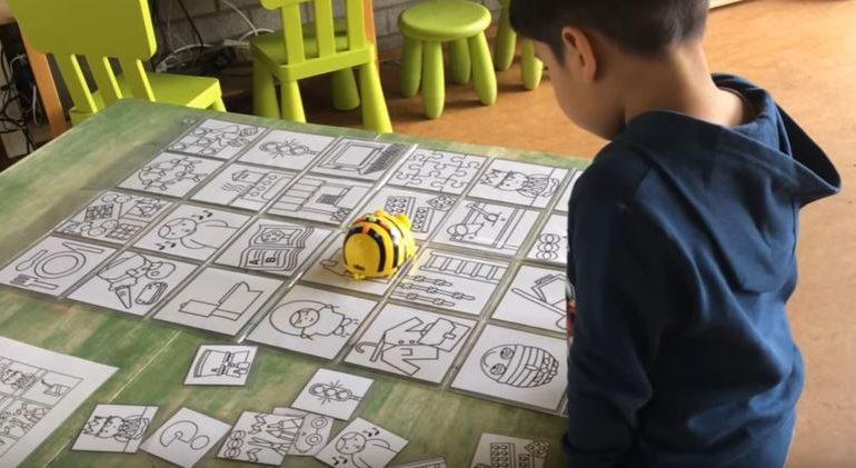 Beebot in de 2de-3de kleuterklas