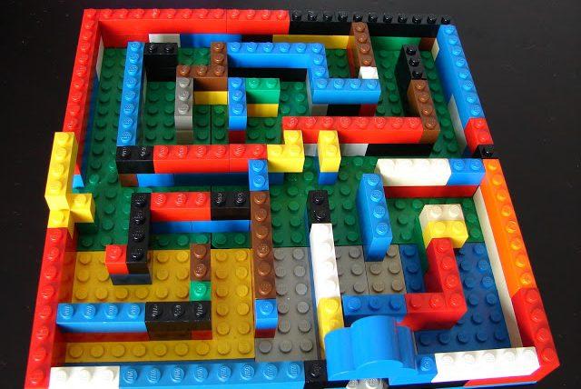 EEN LEGO-DOOLHOF MAKEN
